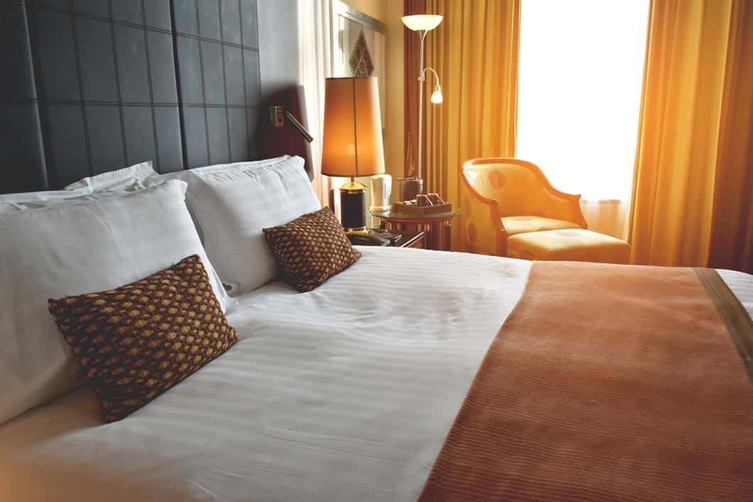 Best Hotel Pillows for Luxurious Feel