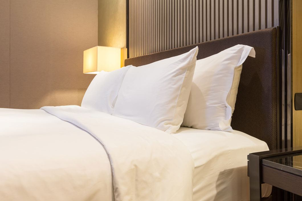 luxury hotel collection memory foam pillow