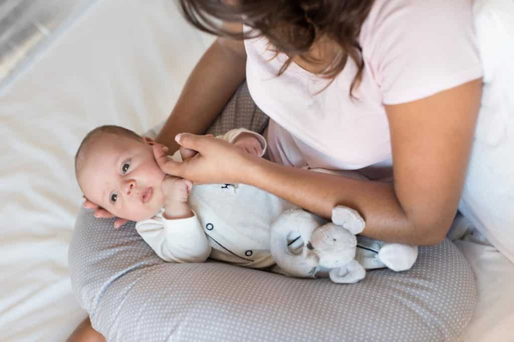 Best Nursing Pillow For Your Baby